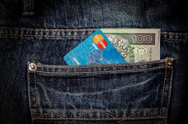 Jak wydawać pieniądze w czasach konsumpcjonizmu finansewpraktyce.pl